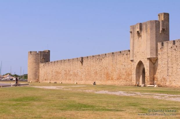 The exterior of the walls of Aigues Mortes