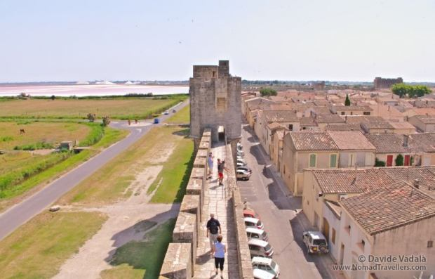 The view full of contrasts visible from the ramparts of Aigues Mortes