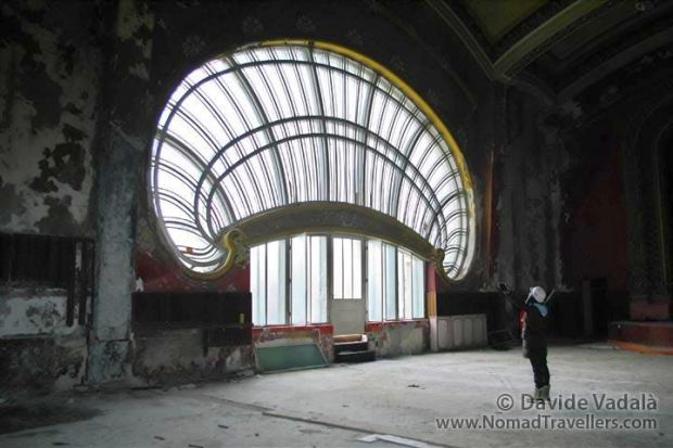 Gigantic shell window in the Theatre Hall