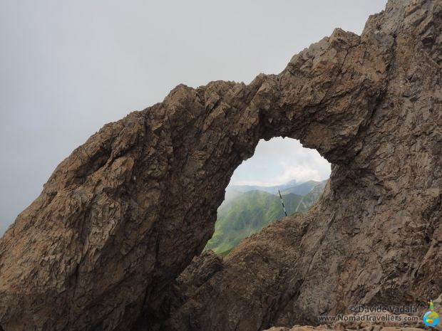 In this photo is visible the arch giving the name to Fereastra Smeilor